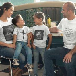 Camiseta Menina Estudando